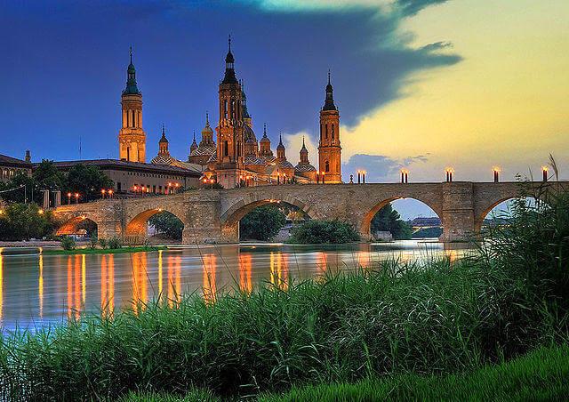 640px-Basilica_del_Pilar-sunset