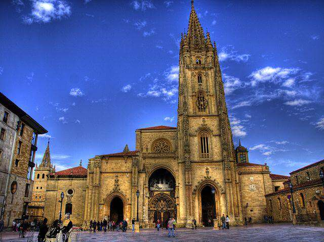 640px-Catedral_de_Oviedo_2010