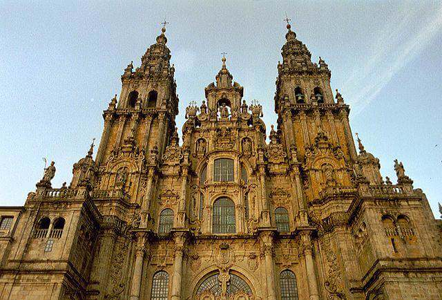 640px-Cathedral_Santiago_de_Compostela