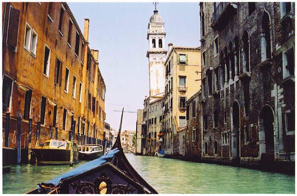 Gondola_in_venezia