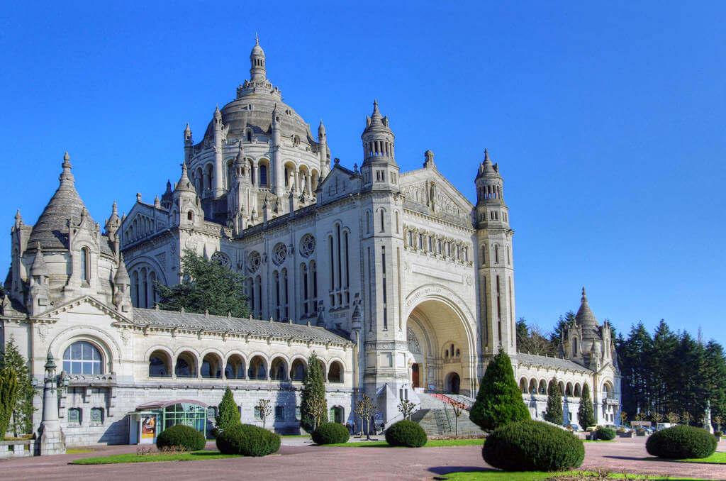 Lisieux-basilica-2