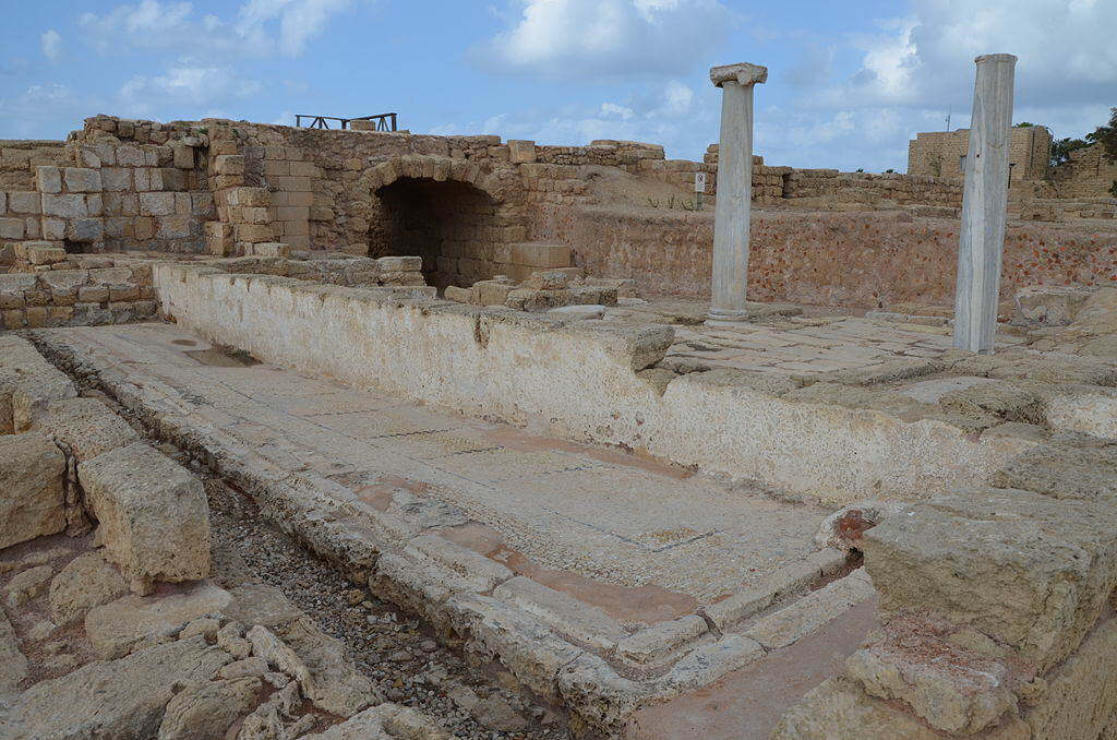 Roman_public_latrine_dating_to_the_Byzantine_period,_Caesarea,_Israel_(15610518846)